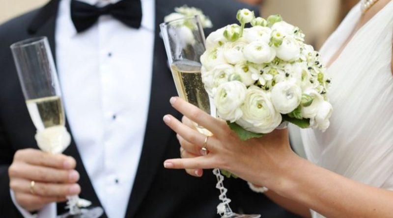 /FOTO/ Nuntă pe timp de pandemie. Peste 70 de persoane au participat la o cremonie din orașul Râșcani