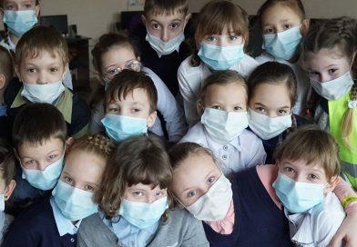 Министр образования Игорь Шаров заявил, что он выступает против ношения масок в детских садах и школах