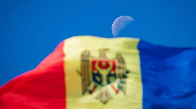 În acest an fără Ziua Independenţei şi a Limbii Române