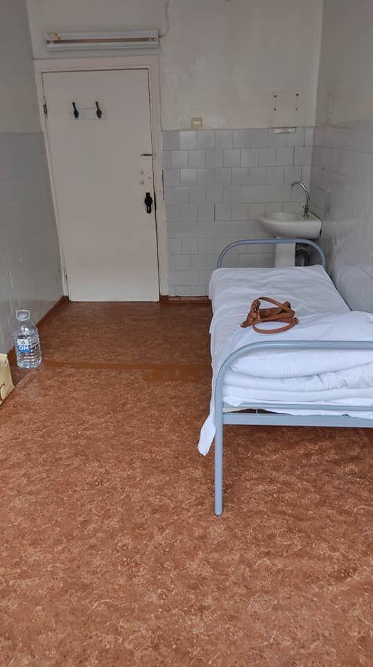 /FOTO/ Condiții dezastroase la Spitalul Clinic Bălți. O secție unde stau pacienții suspecți la coronavirus are pereții plini de mucegai 5
