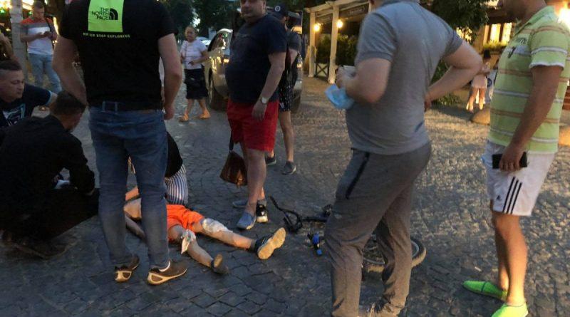 В Кишиневе машина сбила подростка, катавшегося на велосипеде