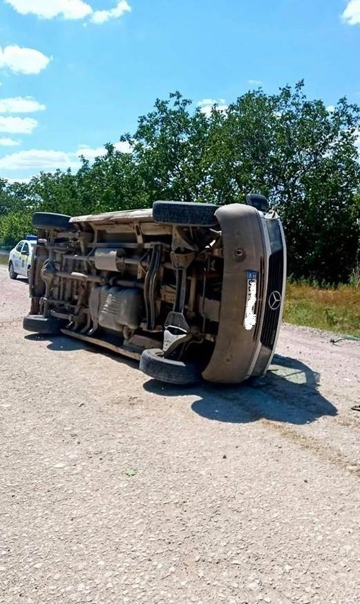 Foto /FOTO/ Grav accident în raionul Sângerei. O persoană a rămas blocată în fiarele mașinei pe care o conducea 1 25.07.2021