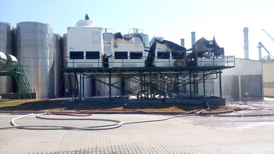 /FOTO/ O instalație frigorifică de la fabrica de sucuri din oraşul Edineţ a fost cuprinsă de flăcări 3 18.05.2021