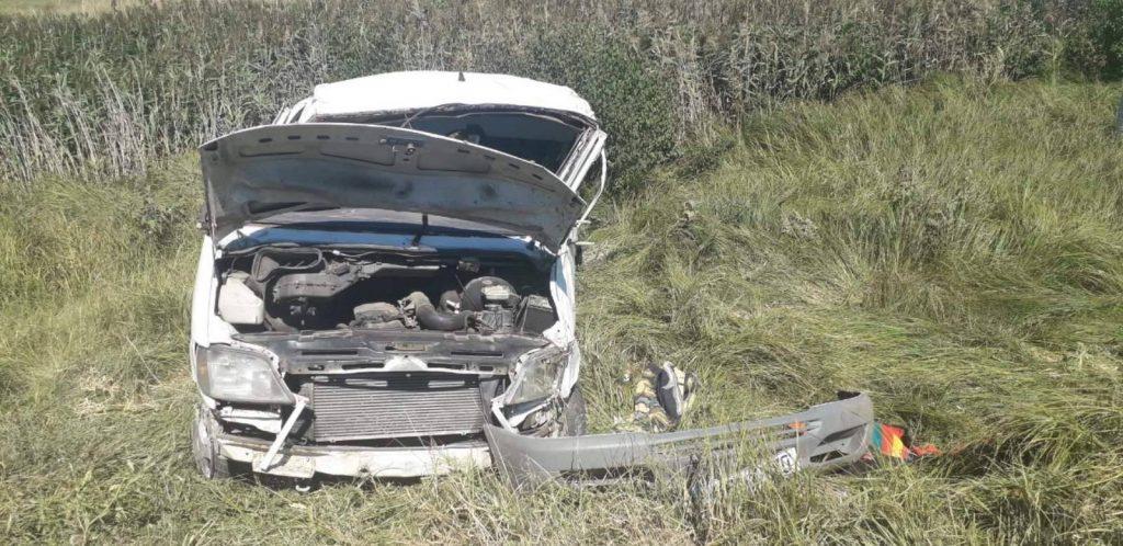 /FOTO/ Grav accident la Edineț. Un tânăr a ajuns la spital după ce s-a răsturnat cu mașina într-un șanț 1 15.05.2021
