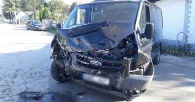 /FOTO/ Accidentele se țin lanț în nordul țării. Un bărbat din raionul Briceni s-a ales cu o comeoție cerebrală după ce automobilul i-a fost tamponat de o altă mașină