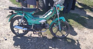 Un tânăr din raionul Soroca a ajuns la spital după ce s-a tamponat cu motocicleta într-un automobil parcat regulamentar