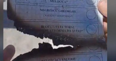 """Foto Фальсификация выборов? Сотни избирательных бюллетеней с печатью """"votat"""" найдены на свалке в Штефан-Водэ 2 28.07.2021"""
