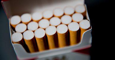 Veste tristă pentru fumători. Țigările nu vor mai fi expuse la vitrina spațiilor comerciale