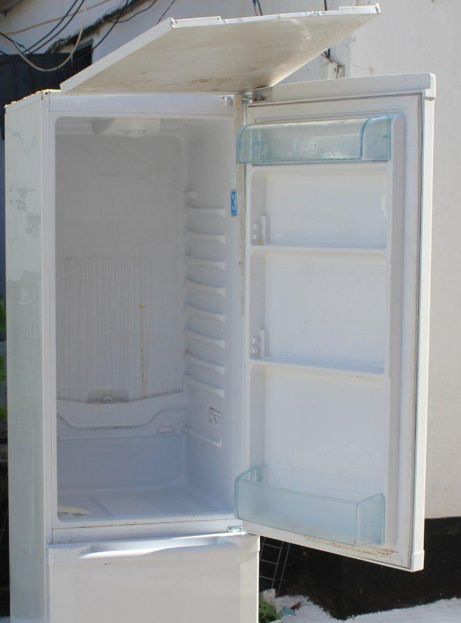 /FOTO/ Trafic de telefoane mobile deconspirat la Penitenciarul din Bălți. Gadget-urile erau ascunse în carcasa unui frigider 1 18.05.2021