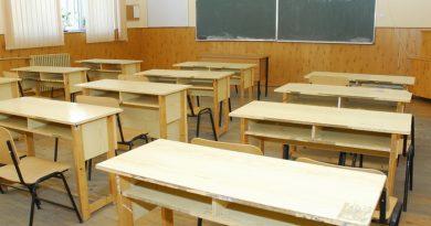 Instituțiile de învățământ se pregătesc de noul an școlar. Elevii vor avea posibilitatea să nu poarte măști în sălile de clasă