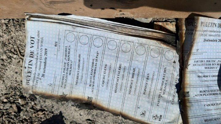 Buletine de vot găsite pe jumătate arse la o gunoiște din Ștefan Vodă. Reacția CEC