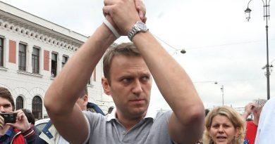 The Insider: Навальный почти полностью восстановился после отравления и все помнит, в клинике усилена охрана 3 12.04.2021