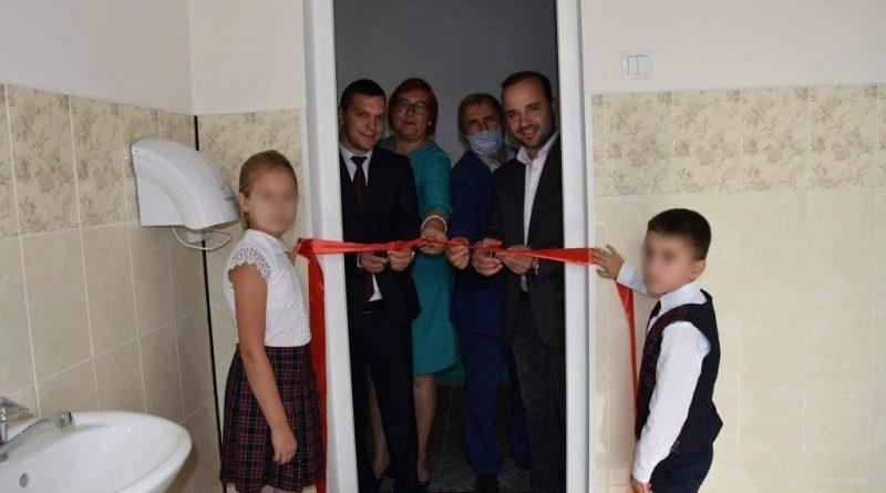 Toaletă inaugurată cu mare fast pe timp de pandemie în satul Hiliuți din raionul Râșcani