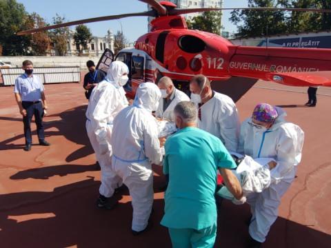 Intervenție SMURD la Ocnița. Bărbat de 55 ani transportat cu elicopterul la Chișinău