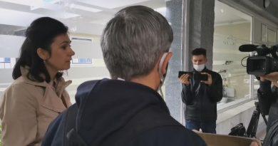 """Протест возле Бельцкой больницы: """"Врачей вынуждают увольняться и не платят ковид-надбавки"""""""