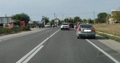 Un tânăr a ajuns la spital după ce sa pălit cu motocicleta de un automobil în raionul Florești