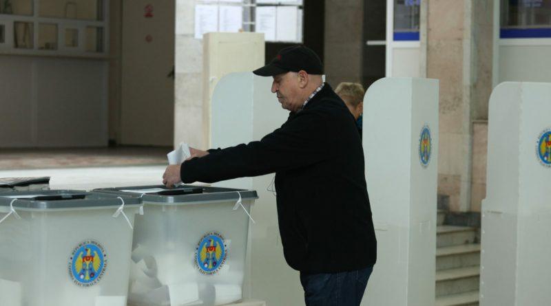Comisia Extraordinară de Sănătate Publică recomandă desfășurarea alegerilor în afara instituțiilor de învățământ
