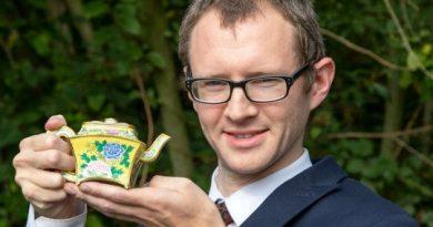 """Британец нашел во время уборки в гараже """"чайник"""" стоимостью 130 тысяч долларов 3 17.05.2021"""