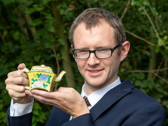 """Foto Британец нашел во время уборки в гараже """"чайник"""" стоимостью 130 тысяч долларов 1 16.06.2021"""