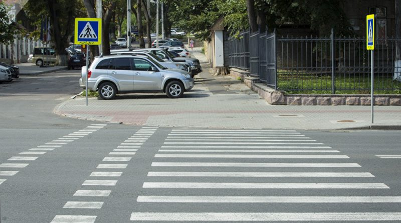 Foto ДТП в Сороках: Двенадцатилетнюю девочку сбили на пешеходном переходе 1 24.07.2021