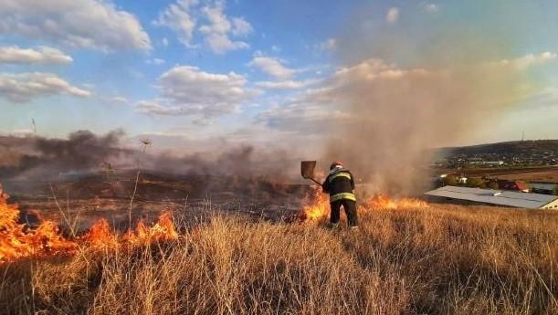 Atenție! Cod Galben de pericol excepțional de incendiu pe întreg teritoriul țării