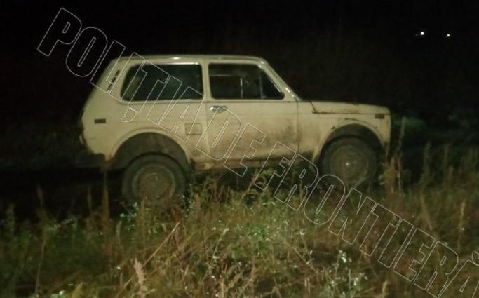 Un automobil abandonat cu peste două mii de pachete cu țigări a fost descoperit în raionul Edineț