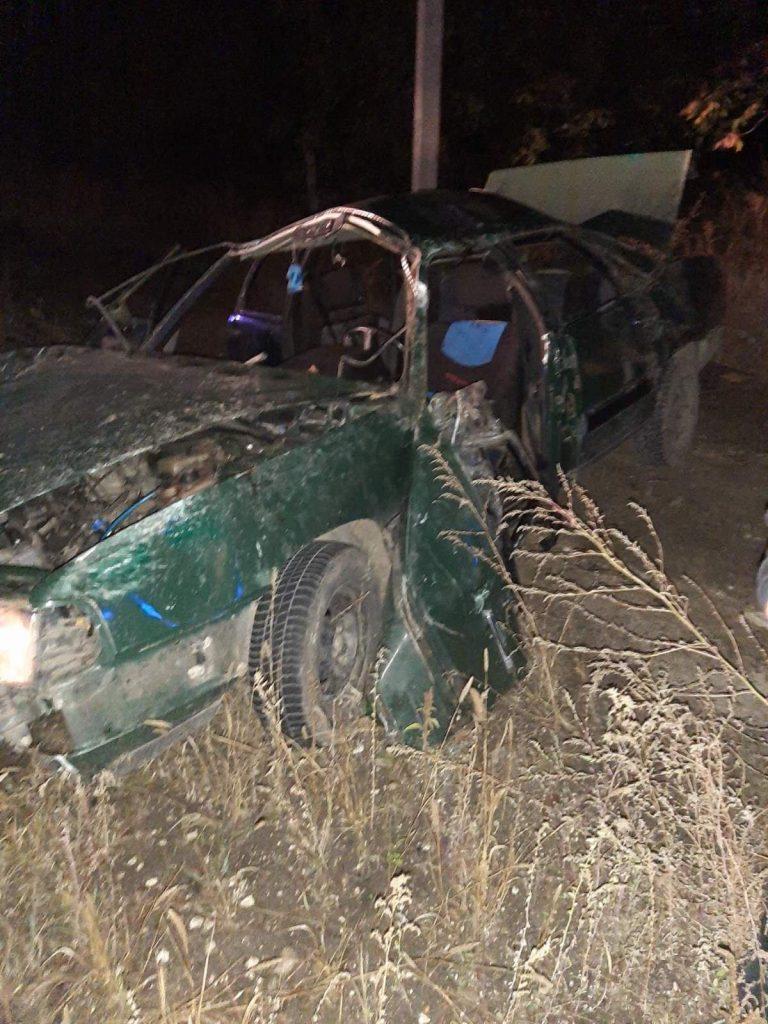 /FOTO/ Grav accident la Fălești. Cinci persoane, printre care două minore, au ajuns la spital 2