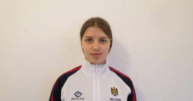 O sportivă din Bălți a obținut patru medalii de aur la un turneu internațional de înot
