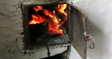 Pompierii îndeamnă populația să verifice sobele înainte de începerea sezonului de încălzire