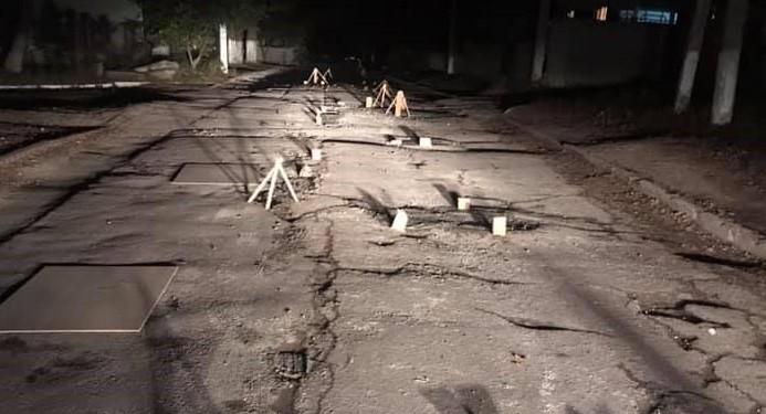 /VIDEO/ O stradă impracticabilă din Edineț a început să fie reparată de către localnici