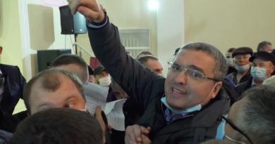 Ренато Усатый устроил провокацию и сорвал встречу Додона с избирателями в Фалештах 3 18.04.2021
