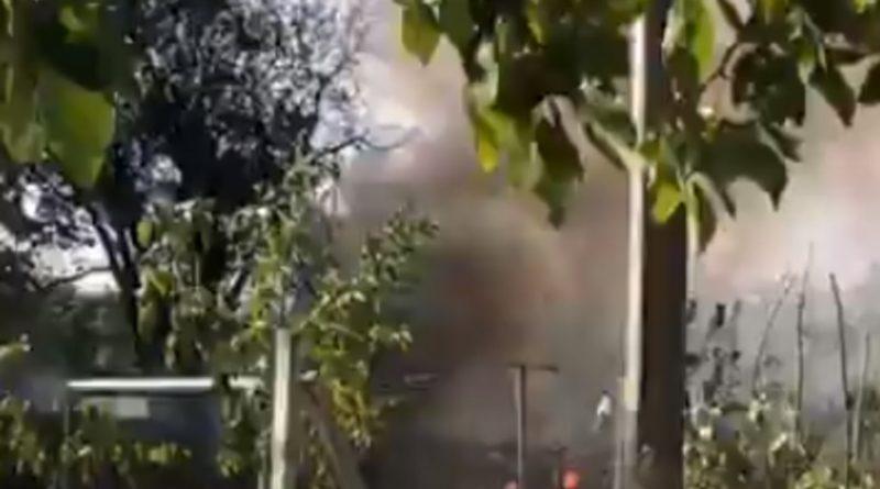 Foto /VIDEO/ O construcție axiliară a fost cuprinsă de flăcări în orașul Fălești 1 24.07.2021