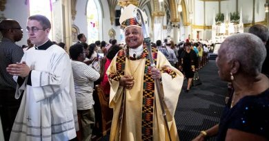 Папа Римский впервые за всю историю назначил кардиналом темнокожего из США 2 13.04.2021