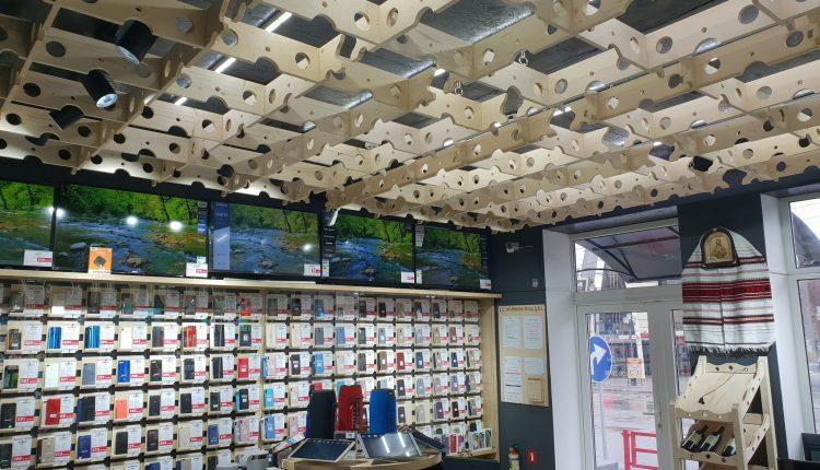 Furt de telefoane mobile într-un magazin din centrul orașului Bălți