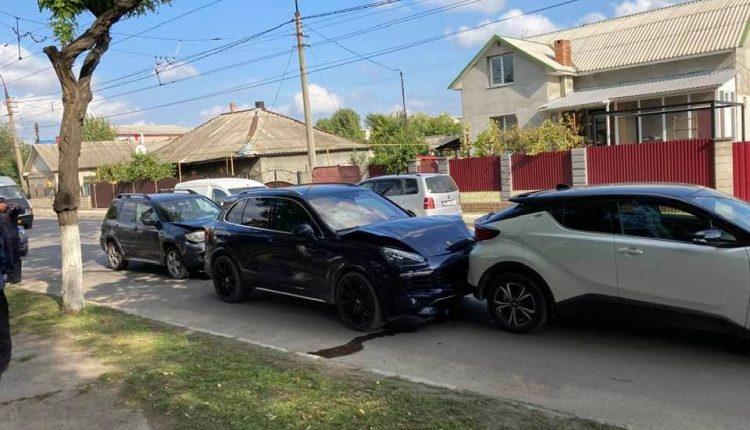 Accident în lanț cu mașini de lux la Bălți