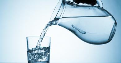 Locuitorii raioanelor Glodeni și Fălești vor beneficia de apă potabilă din România