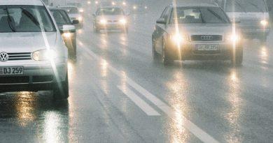 Водителей обязали с 1 ноября включать ближний свет фар в дневное время суток 5 07.03.2021