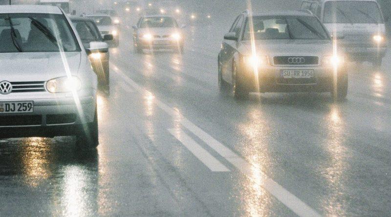 Foto Водителей обязали с 1 ноября включать ближний свет фар в дневное время суток 1 27.10.2021