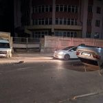 Un Lexus cu viteză excesivă s-a răsturnat pe o stradă din Bălți