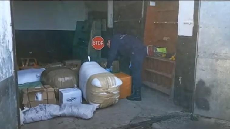 /VIDEO/ Doi bărbați din raionul Briceni care transportau produse de contrabandă au fost reținuți datorită câinelui Poliției de Frontieră Mira