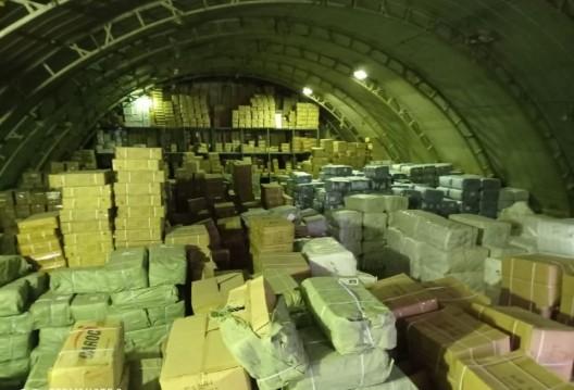 /VIDEO/ Produse contrafăcute de peste șase milioane de lei depistate în depozitele unui agent economic din Bălți și Chișinău