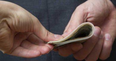 Un bărbat din satul Elizaveta este cercetat pentru afaceri ilegale cu permise de conducere