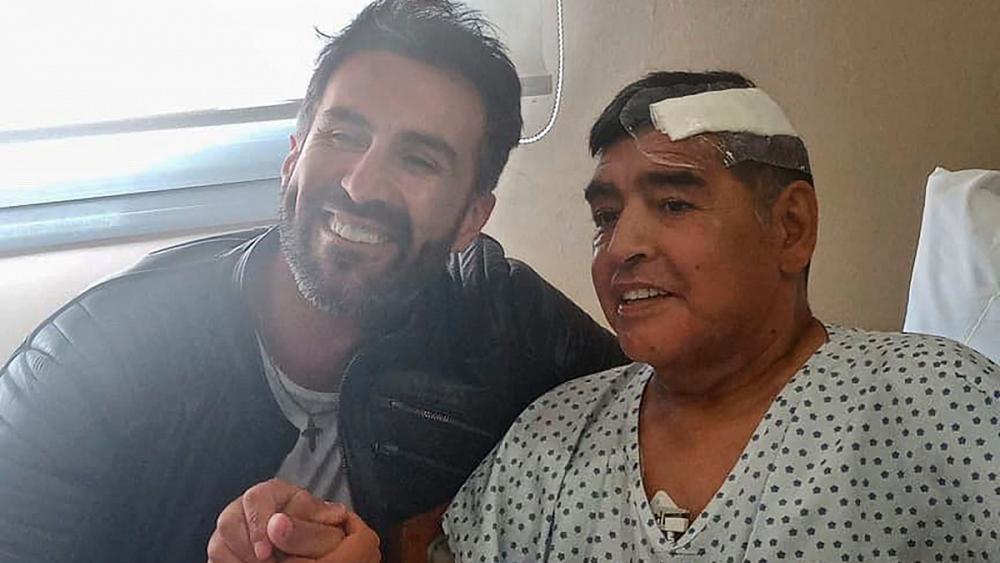 Скандал вокруг смерти Марадоны: он умер через пару дней после драки с врачом. Теперь доктора обвиняют в убийстве 2 14.04.2021