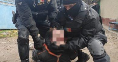 Foto /VIDEO/ Un bărbat în stare de ebrietate din raionul Anenii Noi a luat ostatici trei copii amenințând că îi va omorî 2 24.07.2021