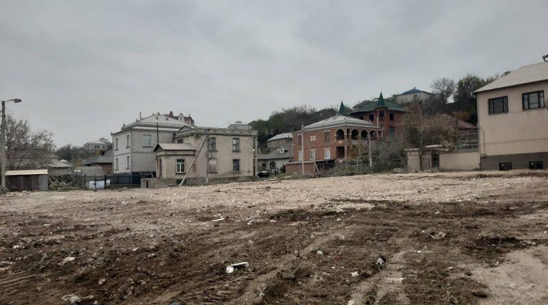 La Otaci au finalizat lucrările de evacuare a deșeurilor după demolarea blocului avariat