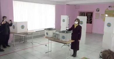 Кандидат партии на пост президента страны Майя Санду воспользовалась своим правом голоса 3 15.05.2021