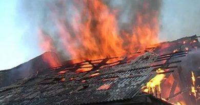 Un incendiu puternic a izbucnit într-o casă din orașul Edineț