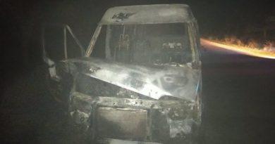 Un microbuz a fost cuprins de flăcări în raionul Dondușeni