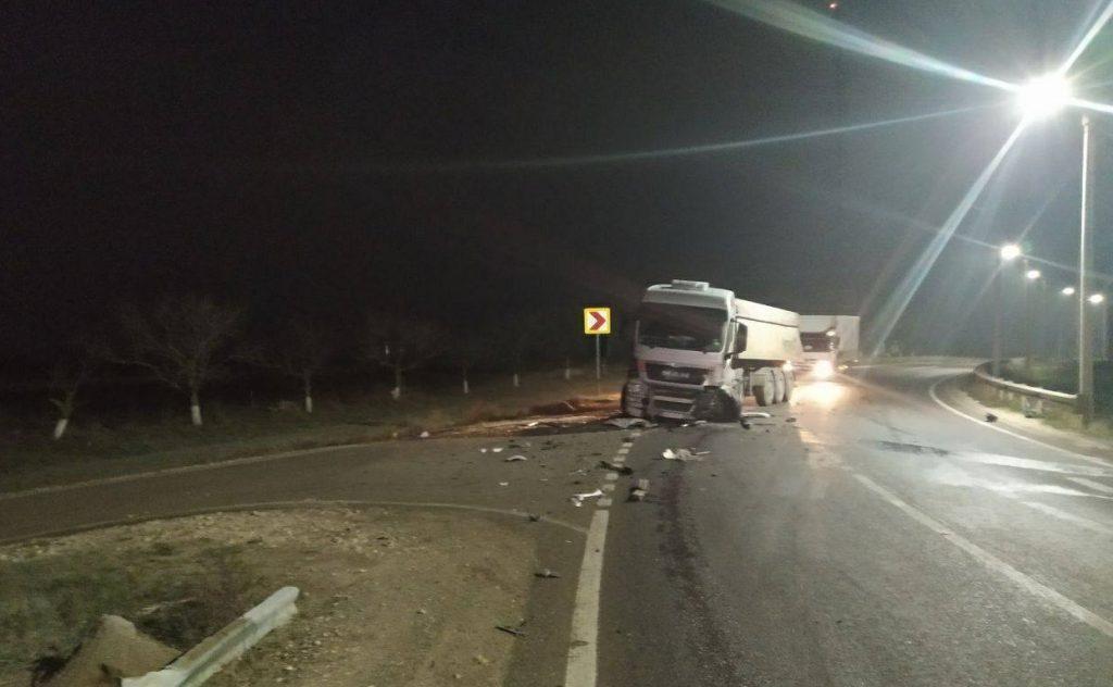 /FOTO/ Accident violent pe un traseu din raionul Florești. O persoană a ajuns la spital 1 14.04.2021
