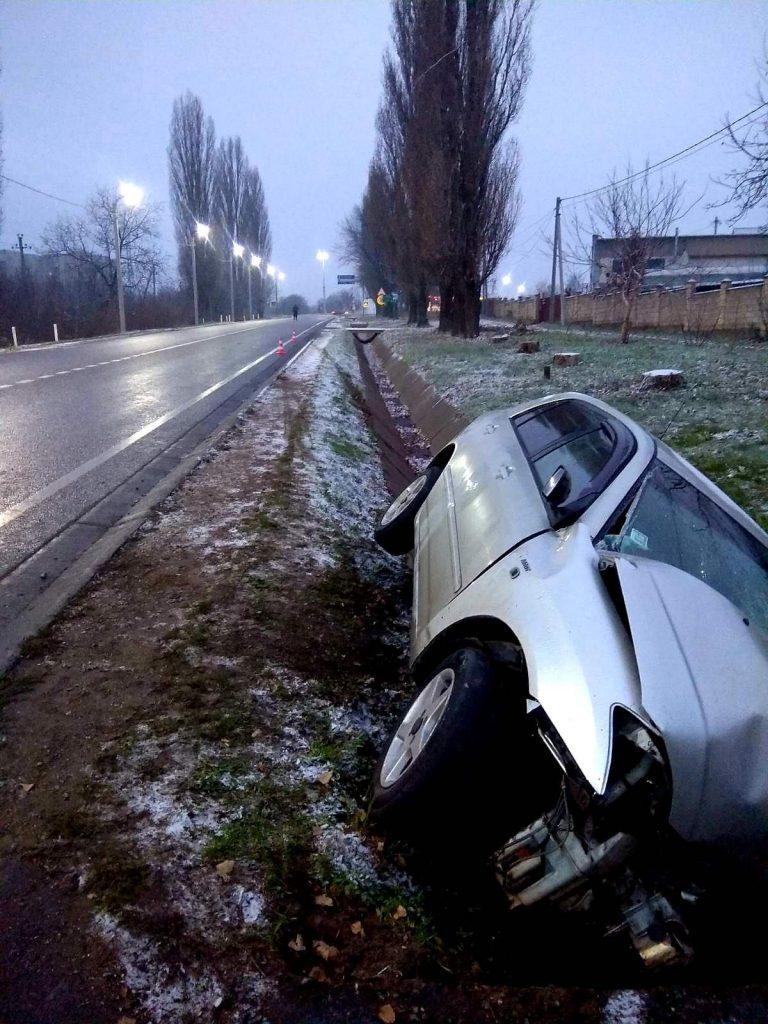 /FOTO/ Un tânăr din Soroca a murit după ce a ajuns cu mașina într-un șanț de scurgere 2 12.04.2021